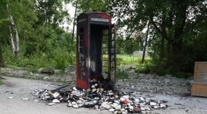 01-telephone-box-rushmoor-park