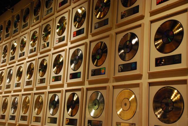 GOLD-DISCS.jpg